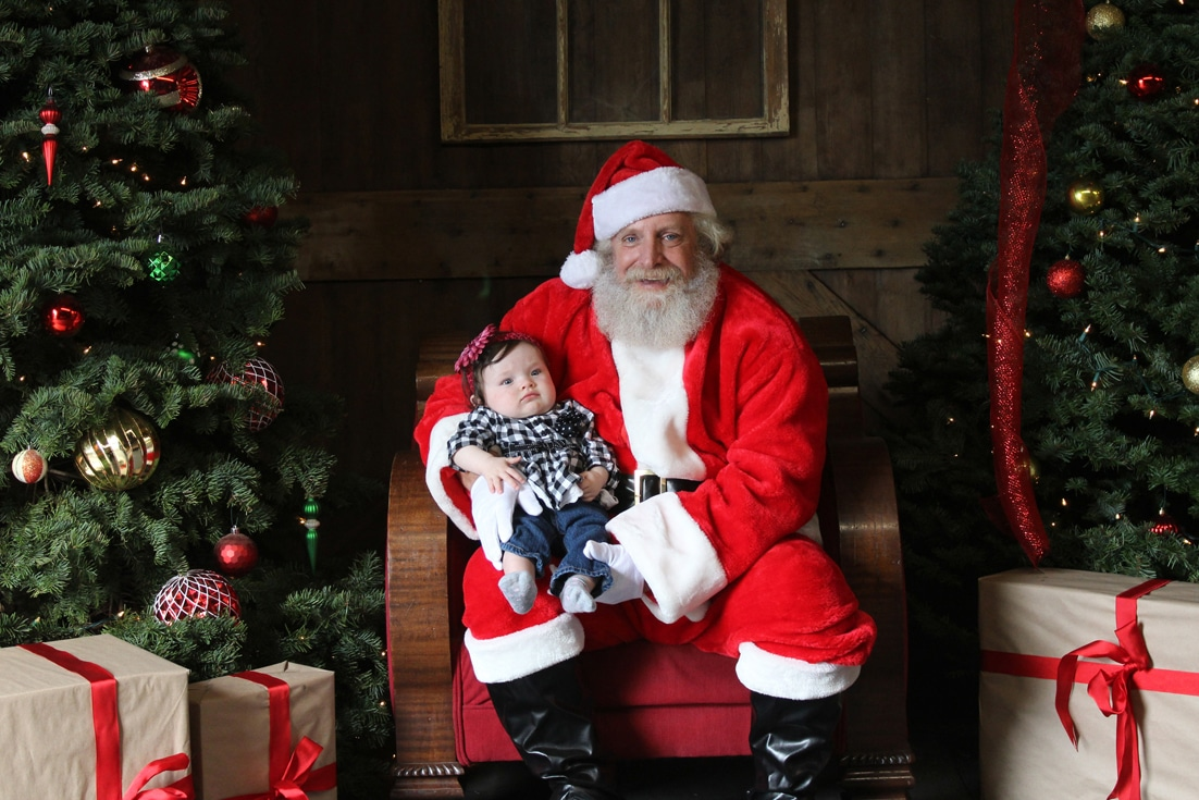 Pictures With Santa >> Photos With Santa Turlock Fields Of Ice Llc